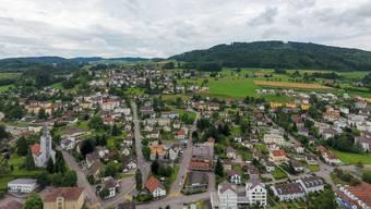 Menziken könnte sich nach einer Fusion bis auf die Burg (auf dem Hügel) erstrecken.