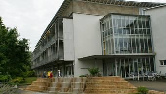 Das Alters- und Pflegeheim Rinau soll abgerissen werden. An gleicher Stelle soll ein neues Alterszentrum entstehen.