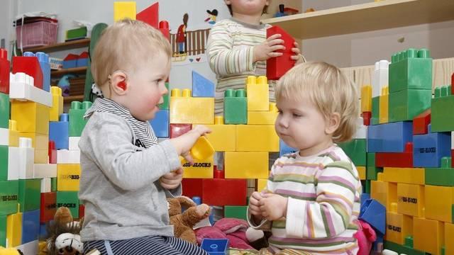 In Deutschland gibt es immer weniger Kinder (Archiv)