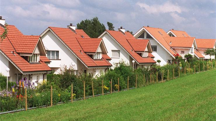 Der Traum vom Einfamilienhaus ist nicht geplatzt, aber der Weg dorthin ist steiler geworden.