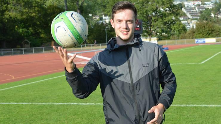 Cedric Bütler hat sich gegen rund 40 000 Amateurfussballer aus aller Welt durchgesetzt und gehört nun zur «Paulaner Traumelf».