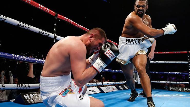 """Arnold Gjergjaj (im Bild bei seiner Niederlage gegen David Haye) kann nach der jüngsten Niederlage keine Ambitionen mehr auf einen """"richtigen"""" Titelkampf mehr hegen"""