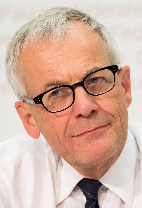 Die Schweiz ist heute schon selbstbestimmt, schreibt Kurt Fluri. Durch die Initiative sei die zuverlässige Rechtsordnung bedroht.