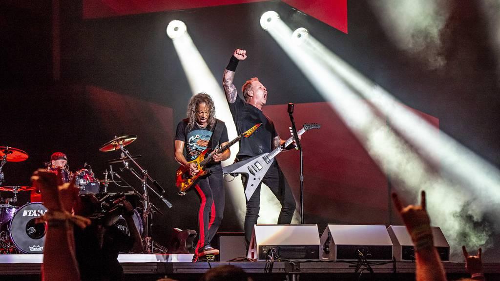 Foo Fighters tauchen bei Metallica-Konzert auf