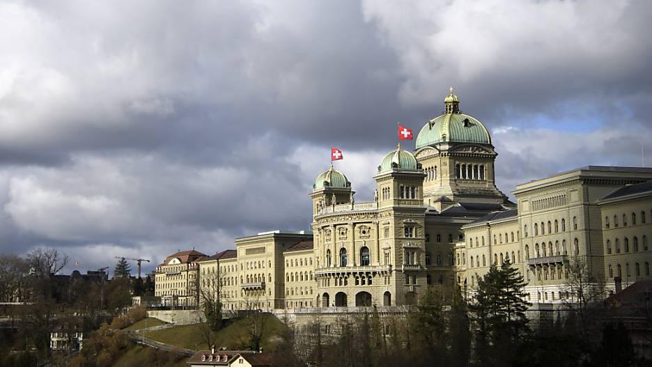 Der Bundesrat benennt die neuen Gefahren und will Gegensteuer geben.