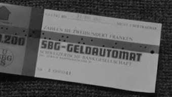 Am 1. November 1967 ging an der Zürcher Bahnhofstrasse der erste Geldautomat der Schweiz in Betrieb.