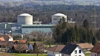 Das AKW Beznau mit den Reaktorblöcken I und II in Döttingen, von der Nachbargemeinde Böttstein aus gesehen. (Archivbild).