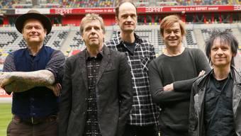Die Rockband Tote Hosen werden wegen Hausfriedensbruch angeklagt. Wie waren im Juni 2018 nach einem Konzert in Dresden illegal in ein Freibad eingestiegen. (Archiv)