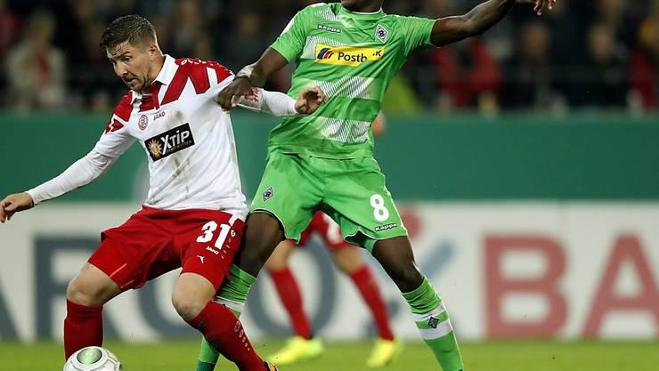 Denis Zakaria (rechts) schoss seinen ersten Treffer in der Bundesliga