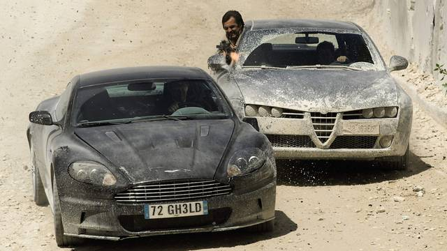 Der Aston-Martin von James Bond kommt unter den Hammer (Archiv)