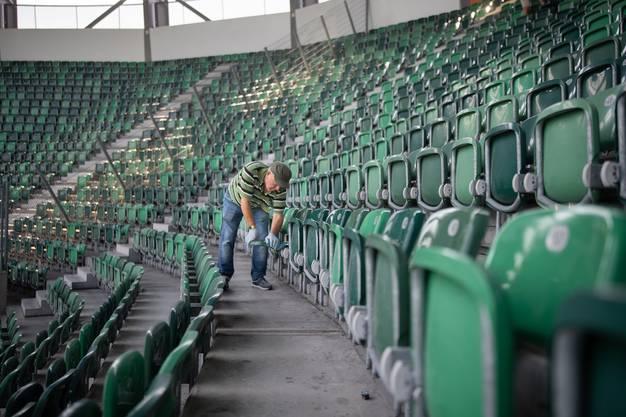 Im Kybun-Park in St. Gallen wurden die Stehplätze durch Sitzplätze ersetzt.