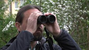 Ornithologe Michael Gerber gibt Tipps und Tricks zum Vogelzählen im eigenen Garten.
