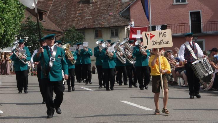 Die Musikgesellschaft Dintikon 2007 am Musiktag in Künten.