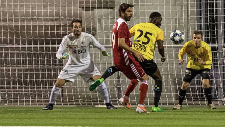 In der englischen Woche fast gestolpert: Juan Pablo Garat (M.) und der FC Baden erreichen gegen Bassecourt im heimischen Esp ein 1:1.
