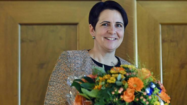Die neue Zürcher Kantonsratspräsidentin Yvonne Buergin (CVP) strahlt nach Ihrer Wahl im Zürcher Ratshaus am Montag, 7. Mai 2018.