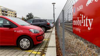 In Grenchen gibt es nur zwei Standplätze für Mobility-Autos, einer ist hier beim Park+Ride Südbahnhof.