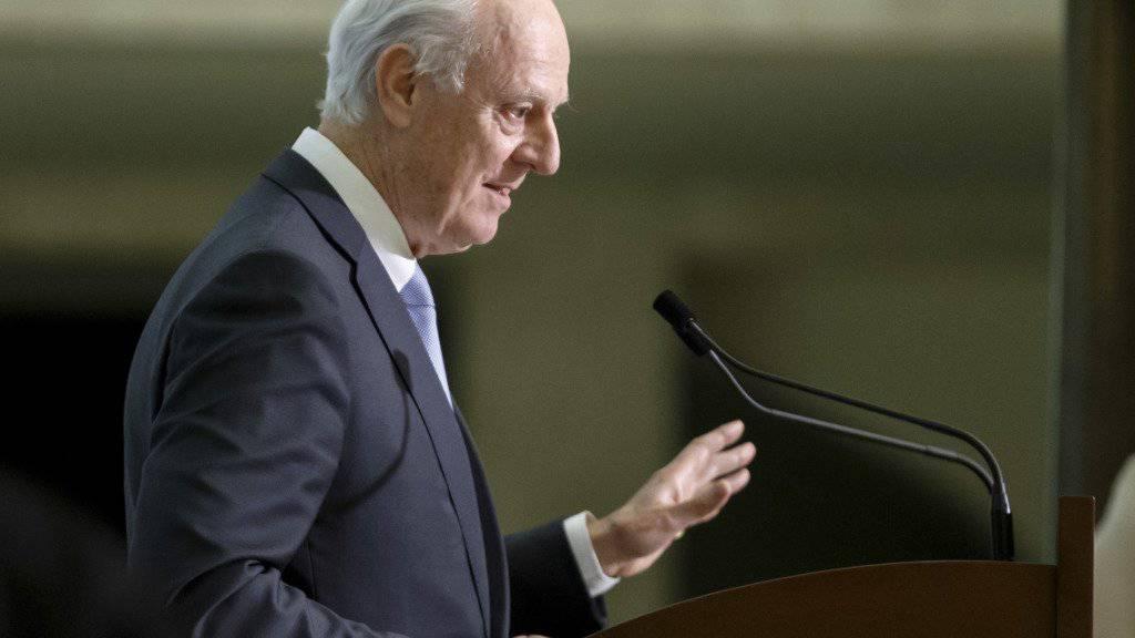 UNO-Sondergesandter für Syrien, Staffan de Mistura, kündigt die Fortsetzung der Friedensgespräche in Genf an. (Archivbild)