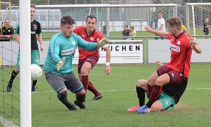 Goalie Dzenan Isovic und der FC Oensingen haben noch zwei Spiele in der Hinterhand.
