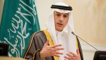 Al-Dschubeir kündigt in Paris die saudiarabische Feuerpause an