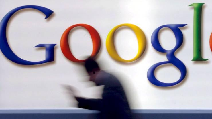 Google, Amazon, Facebook und Apple: Von der dreiprozentigen Digitalsteuer betroffen sind Konzerne, die mir ihrem Digitalgeschäft mehr als 25 Millionen Euro Umsatz in Frankreich machen und über 750 Millionen weltweit. (Symbolbild)