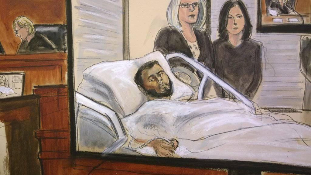 Der mutmassliche Attentäter wurde für die Anhöhrung im Gericht per Videobild aus dem Spital zugeschaltet. (Gerichtszeichnung)