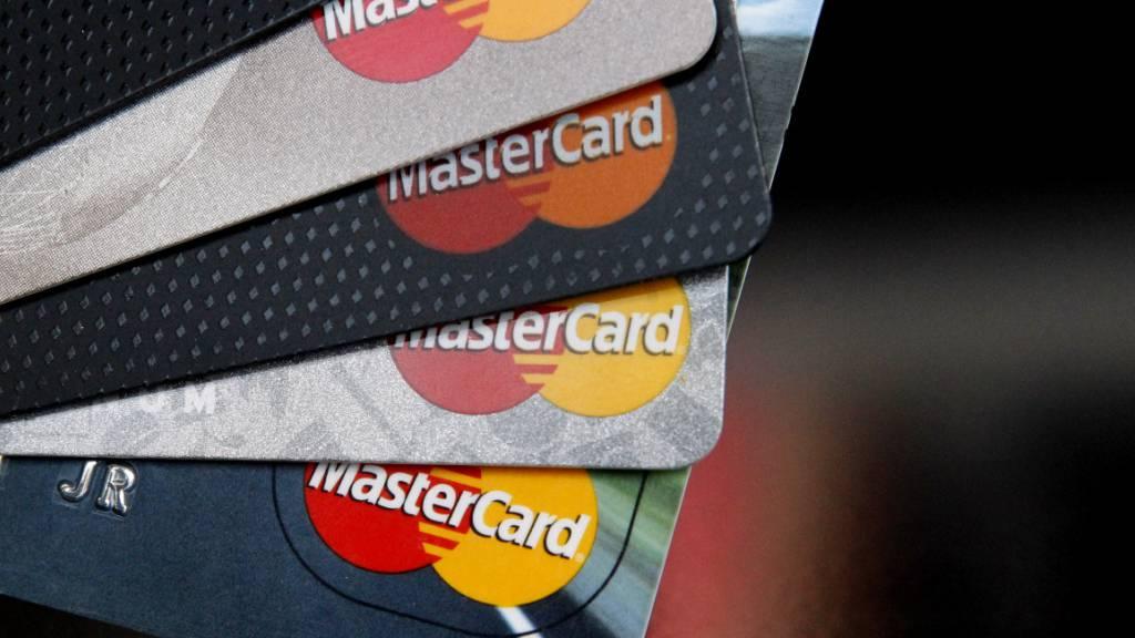 Wettbewerbshüter ermitteln gegen Mastercard