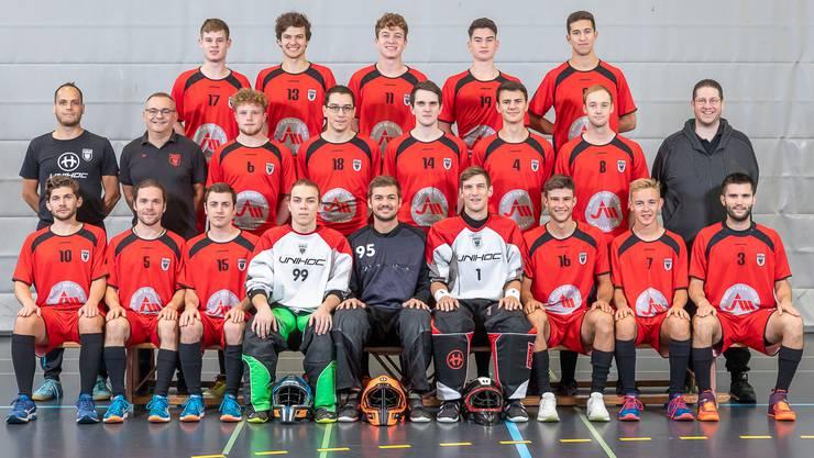 Das Team Aarau gewinnt das Derby gegen Unihockey Aargau United dank zwei Toren von Neuzuzug Rafael Hug mit 5:3.