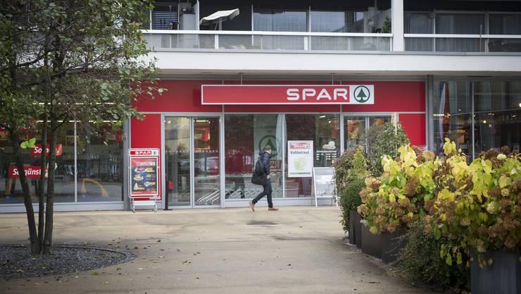 Spar testet ein Pilotprojekt in vier Filialen. Auch der Urdorfer Laden ist darunter. (Symbolbild)