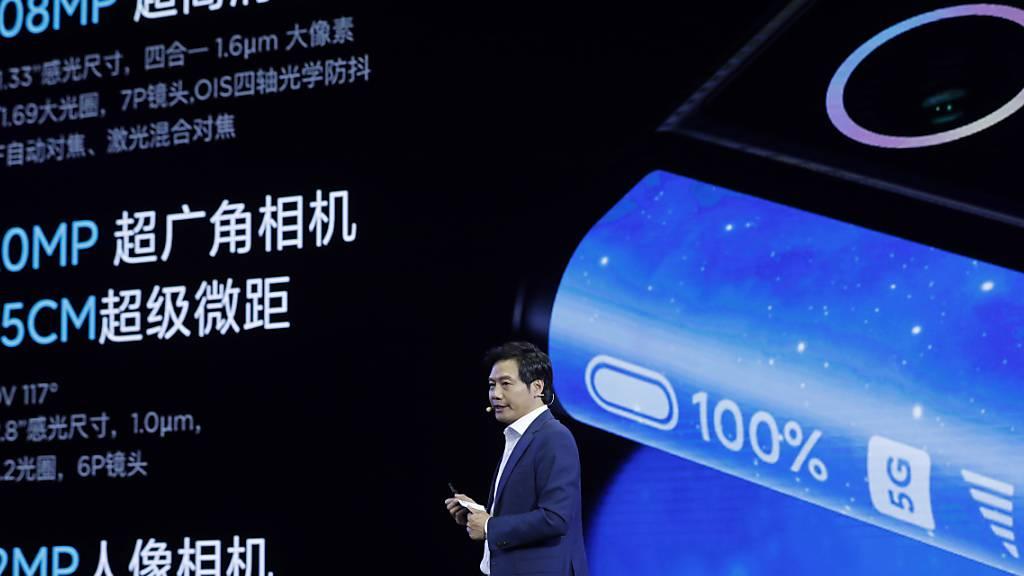 Der chinesische Handy-Hersteller Xiaomi hat Apple vom Thron gestossen: Die Firma ist laut einer Branchenstudie nun grösser als der Konkurrent aus den USA. (Symbolbild)