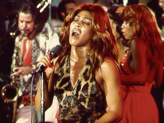 Tina Turner in einem Konzert 1975 in Los Angeles. (Foto: Michael Ochs Archives/Getty)