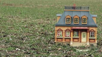 Die Gemeinde hat Bauland verkauft. (Symbolbild)