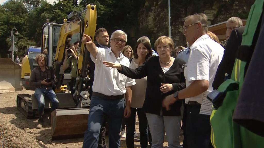 Nach Flut-Katastrophe: Angela Merkel besucht Hochwassergebiete