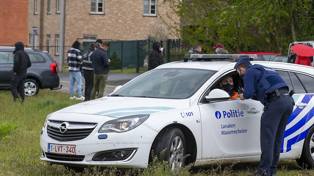 Die belgische Polizei sucht weiterhin nach einem mutmaßlich rechtsextremen Berufssoldaten. Foto: Nicolas Maeterlinck/BELGA/dpa