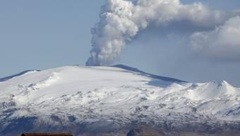 Im Jahr 2010 führte ein Ausbruch des Vulkans Eyjafjallajökull auf Island zum Stopp des Flugverkehrs in Nordeuropa. (Archivbild)