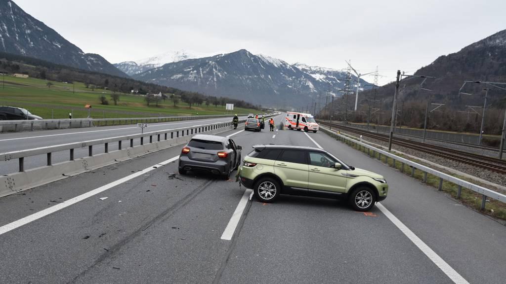Verkehrsunfall mit mehreren Beteiligten auf A13