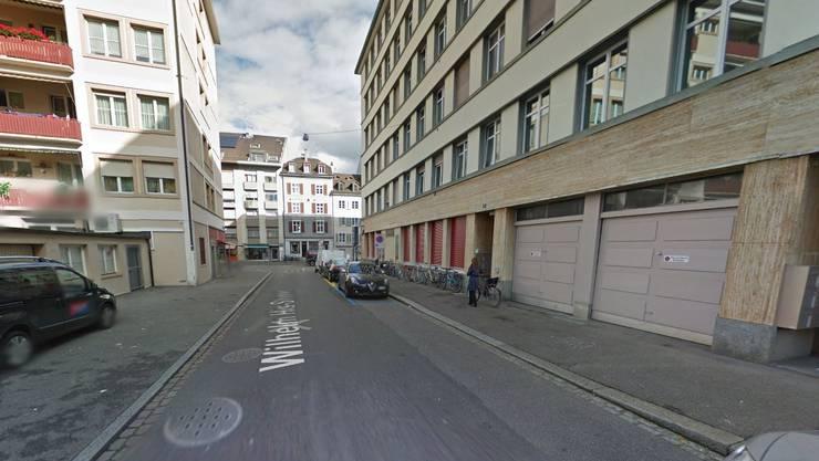 In dieser Strasse ist der 16-Jährige überfallen worden.