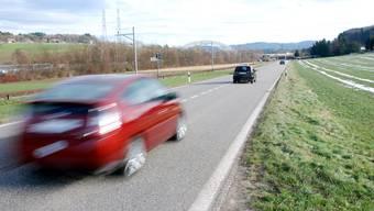 Dem Beschuldigten wurde bereits zweimal der Führerschein wegen grober Verletzung von Verkehrsregeln für je drei Monate abgenommen.