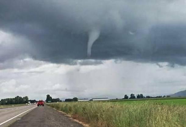 Dieses Bild zeigt einen Tornado nahe Marianna.