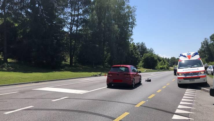 Bei der Thermalbad-Kreuzung kam es zu einem Unfall zwischen einem Velo- und einem Autofahrer.