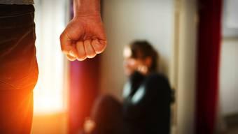 Opfern von häuslicher Gewalt muss schnell und professionell geholfen werden.