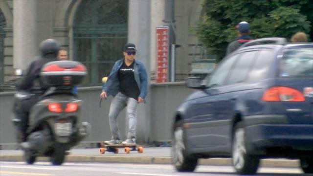Dieses Skateboard fährt auf Knopfdruck