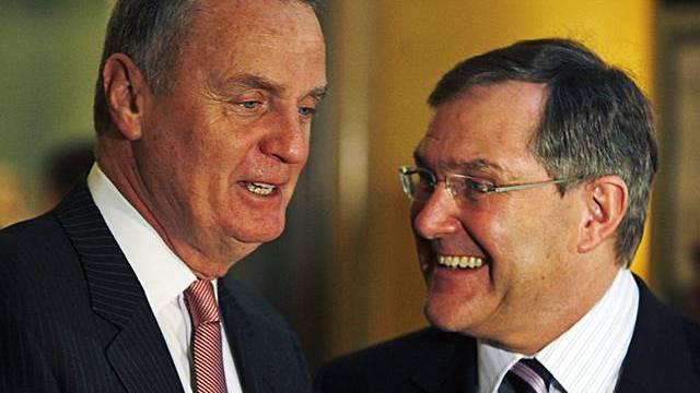 James Jones mit deutschem Minister Jung