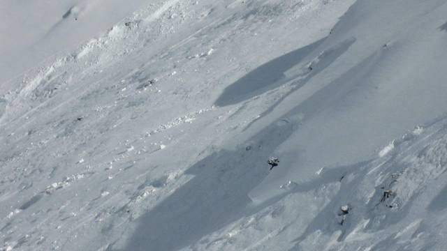 Der 14-jährige Iraner unter einer 60 Zentimeter hohen Schneeschicht gefunden (Symbolbild)