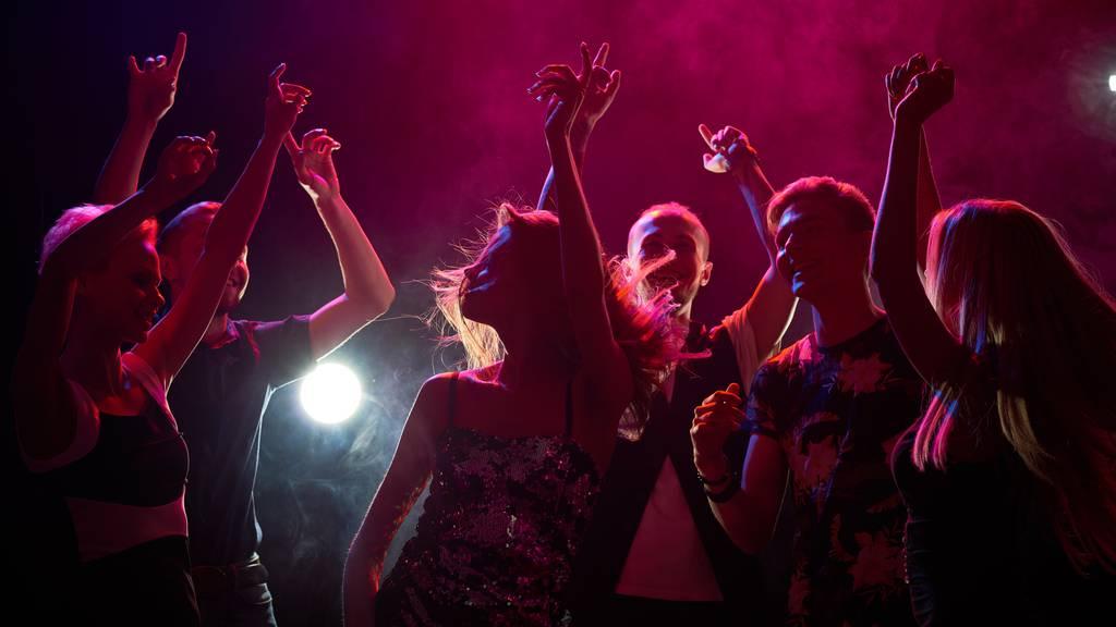 «Unrealistisch, dass 300 Partygänger in Quarantäne müssten»