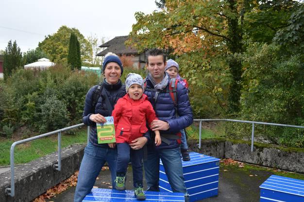 Die erste Familie, die den Papa-Moll-Weg unter die Füsse nimmt, stammt aus dem Kanton Luzern.