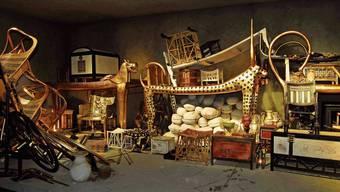 Originalgetreu nachgebaut: Die Vorkammer des Pharaonengrabes – mit gestapelten Kostbarkeiten.