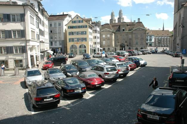 Falschparker bringen der Stadt Aarau viel Geld ein.