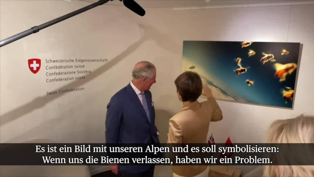 WEF: Sommaruga spricht mit Prinz Charles über Bienen