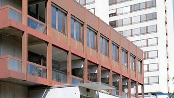 Der Trakt West des Bruderholzspitals soll als Frauenklinik neu gebaut werden.
