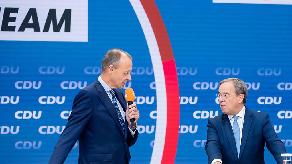 Wahlkampf-Endspurt in Deutschland – Laschet baut auf Merz